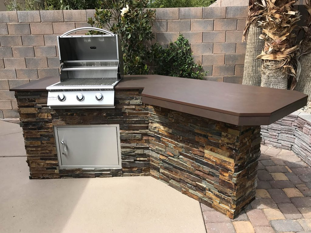 Summerset Sizzler 26 Inch Built-in Barbecue Grill - Open Hood