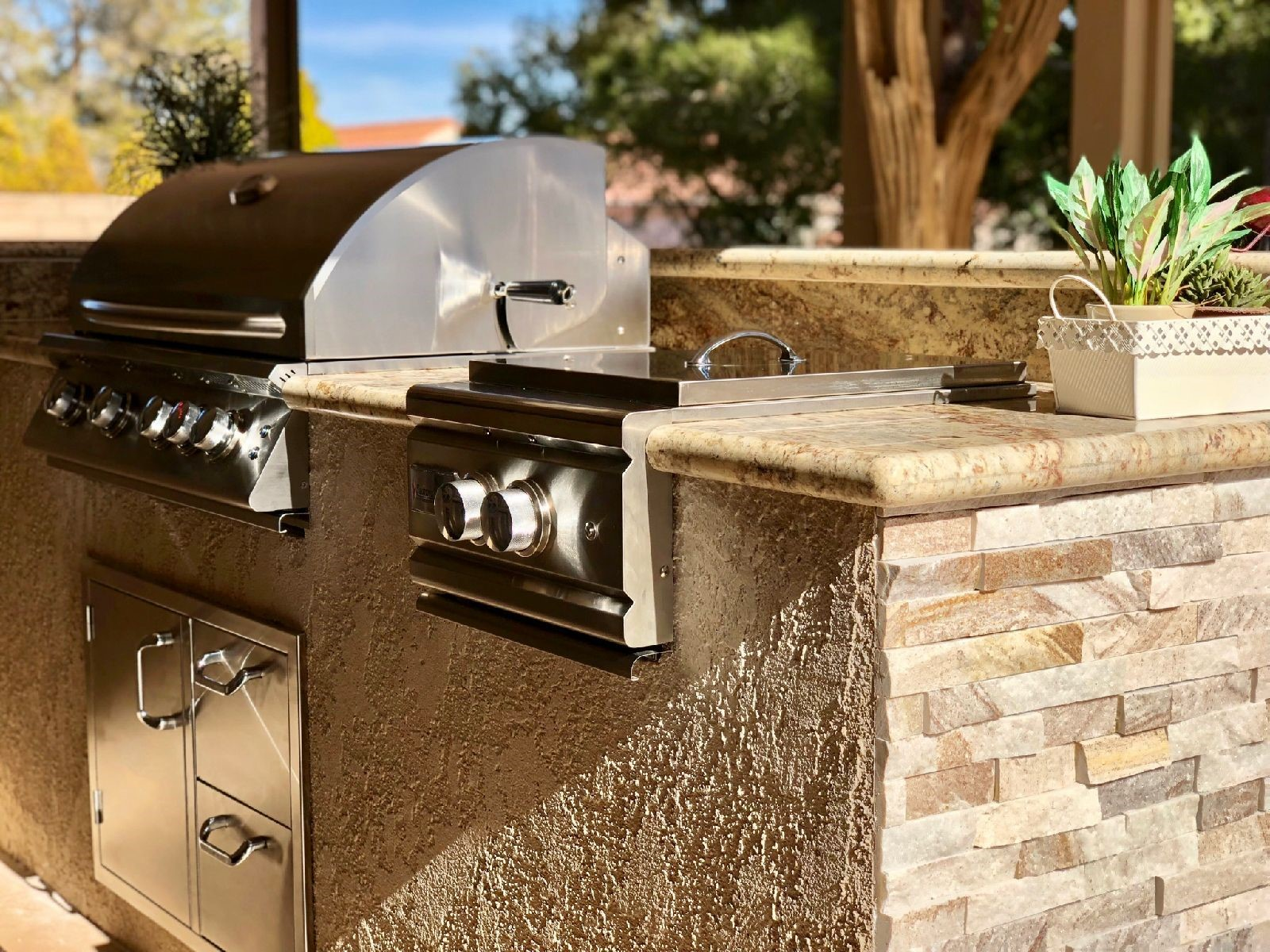 Custom Outdoor Kitchens Professional Barbecue Grills