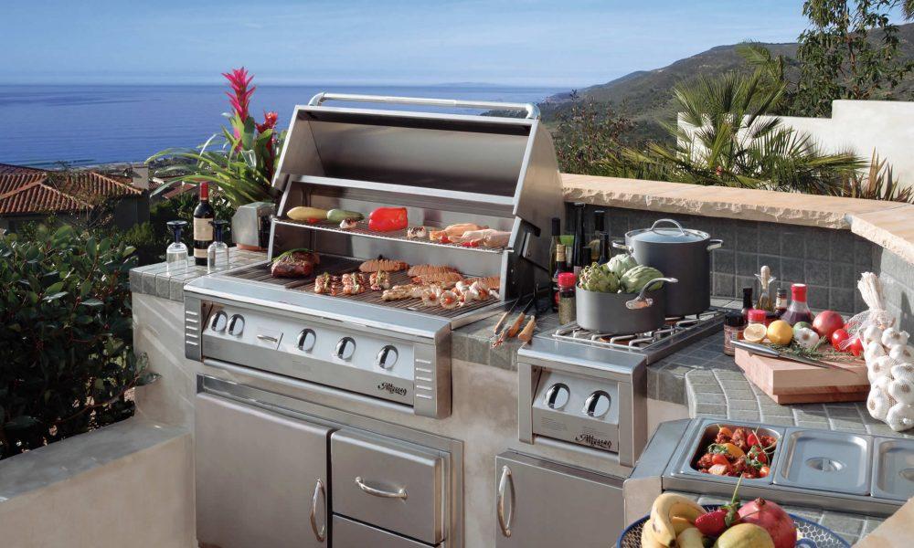 Alfresco Custom Outdoor Kitchen & Outdoor Living Area